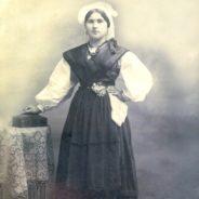 Vestidos Asturianos. 150 años de fotografía e indumentaria en Asturias